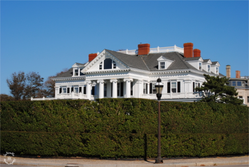 Villas of Newport